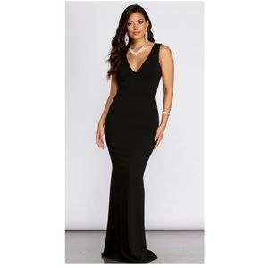 Windsor Black Maxi Dress